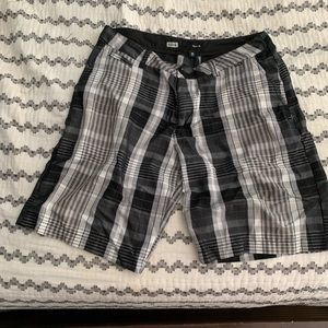 Hurley Men's size 38 black and white Plaid shorts